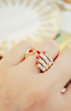 such a cool ring! a real conversation starter because u and your sister like this kind of thing!