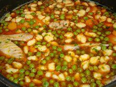 Chana Masala, Salsa, Bacon, Food And Drink, Tiramisu, Ethnic Recipes, Hungarian Recipes, Salsa Music, Restaurant Salsa