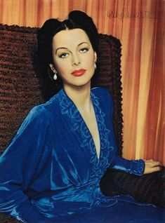 Hedy Lamarr: The Hollywood Beauty With Brilliant Mind ~ vintage everyday Golden Age Of Hollywood, Vintage Hollywood, Hollywood Glamour, Hollywood Stars, Classic Hollywood, Hollywood Girls, Glamour Hollywoodien, Vintage Glamour, Vintage Beauty
