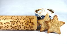 Engraved rolling pin with Cat pattern  The wooden rolling pin for making cookies. The dough can be made of salt-, sugar- or ceramic-mass! Use