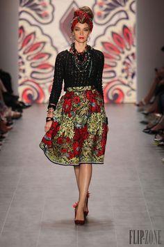 Lena Hoschek İlkbahar-Yaz 2015 - Hazır giyim - http://tr.flip-zone.com/fashion/ready-to-wear/independant-designers/lena-hoschek-5179 - ©PixelFormula