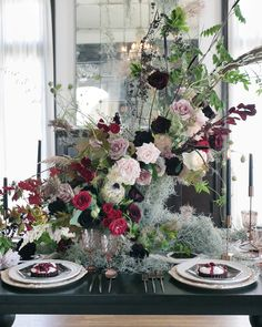 Here's how to host a hauntingly beautiful Halloween dinner party. A chandelier is draped in wispy greenery, the table is set in rich rose gold details, and a haunted grand piano is brimming with balloons. Now, take your seat. if you dare. Halloween Kitchen, Halloween Dinner, Halloween Door, Halloween Festival, Holidays Halloween, Scary Halloween, Vintage Halloween, Halloween Bride, Scream Halloween