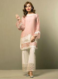 Sadaf kanwal wearing Allure pink Ready to Wear Pakistani 3 piece Dress By Zainab Chottani Casual Wear collection 2017 Fancy Dress Design, Stylish Dress Designs, Stylish Dresses, Casual Dresses, Stylish Kurtis, Frock Design, Casual Wear, Pakistani Fashion Casual, Pakistani Dresses Casual