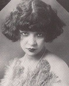 1920s era photograph of a black Vaudevillian actress named Mae Fanning. She performed in musicals written by the famed team, Eubie Blake & Noble Sissle. Image credit: Vintage Vaudeville & Burlesque Images