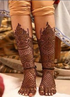 Pick a design and leave it on our Mehendi Expert. Plan your wedding with us now at Bookeventz! Mehndi Designs Feet, Legs Mehndi Design, Indian Mehndi Designs, Stylish Mehndi Designs, Mehndi Design Pictures, Beautiful Mehndi Design, Mehandi Designs, Mehndi Images, Latest Bridal Mehndi Designs