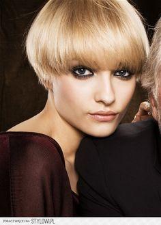 grzybek ciepły słoneczny blond | Fryzury na Stylowi.pl