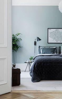 Black Scandi Wall Sconce In Bedroom Via Alvheim Scandinavian Bedroom Decor Ide Alv Scandinavian Bedroom Decor Scandinavian Interior Bedroom Scandi Bedroom