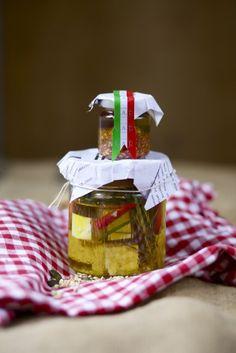 Eingelegter Rosmarin-Schafskäse & Tomatenöl