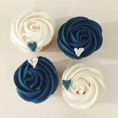 45 Ideas wedding cakes with cupcakes simple bridal shower for 2019 45 Ideen Hochzeitstorten mi Blue Wedding Cupcakes, Navy Cupcakes, Navy Blue Wedding Theme, Cupcakes Fall, Simple Cupcakes, Heart Cupcakes, Flower Cupcakes, Blue Bridal, Blue Frosting