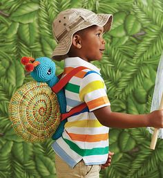 Too BA for me but I can dream! Ravelry: Snail Backpack pattern by Monica Rodriguez Fuertes Crochet Snail, Crochet Yarn, Crochet Toys, Crochet Animals, Crochet Backpack, Backpack Pattern, Crochet Handbags, Crochet Purses, Kids Backpacks