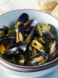mydia-marinier Food Network Recipes, Food Processor Recipes, Cooking Recipes, The Kitchen Food Network, Greek Cooking, Menu Design, Greek Recipes, Fish And Seafood, Seafood Recipes