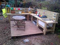 great looking mud kitchen