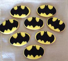 Batman kurabiyelerimiz hazır :) Bilgi ve sipariş için whatsapp numaramız 0544 323 50 72 www.kurabiyenoktasi.com
