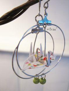 Boucles d'oreilles créoles Grues origami : https://www.facebook.com/pages/Mirae/255860724465552?sk=photos_stream