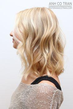 LA: Blonde and Textured. Cut/Style: Anh Co Tran #ramireztransalon #anhcotran #blonde #longlayers