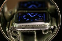 Презентация часов Apple Watch, изготовленных ювелирным брендом Caviar ко дню рождения президента России Владимира Путина, 17 сентября