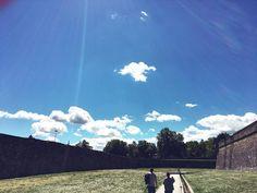 Hola sábado! #pictureoftheday #picoftheday #pictures #picture #pics #pic #sky #skyporn #clouds #cloud #cloudporn #green #walls #pamplona #navarra #ciudadela #harri #instaday #instagood #instacool #instagram #instalove #instagramers #instamoment