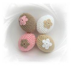 SaVö-Design - 4 gehäkelte Ostereier weiss-rosa-brauntöne