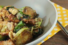 Balsamic Chicken and Brussels Sprouts is a full, tasty meal in one dish. #chickenrecipes #brusselsprouts