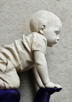 Original unique wood sculpture by the artist Willy Verginer - Paris Art Web