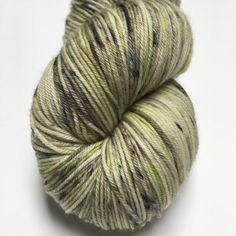 Froggy. Merino wol met Nylon. door Groovywool op Etsy https://www.etsy.com/nl/listing/531799361/froggy-merino-wol-met-nylon