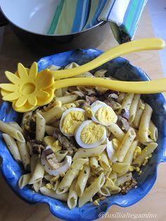 Pasta Fredda con Melanzane Grigliate, Pomodori Secchi e Uova Sode