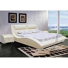 I am in love with this bed...