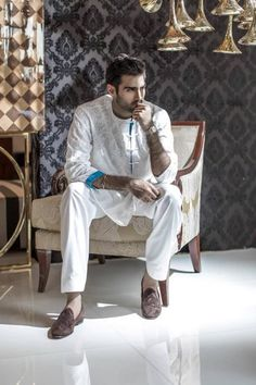 Hasnain Lehri in Republic by Omar Farooq India Fashion Men, Indian Men Fashion, Mens Fashion Suits, Men's Fashion, Pakistan Fashion, Muslim Fashion, High Fashion, Kurta Men, Mens Sherwani