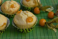 Physalis muffins - yummy physalis muffin recipe topping with powdered sugar lime glaze. Gooseberry Recipes, Cape Gooseberry, Muffin Recipes, Recipe Using, Baked Goods, Good Food, Favorite Recipes, Treats, Meals