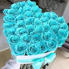 World of Flowers Flower Box Gift, Flower Boxes, Beautiful Rose Flowers, Beautiful Flowers, Million Roses, Baby Blue Aesthetic, Preserved Roses, Rainbow Roses, Luxury Flowers