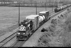 RailPictures.Net Photo: NS 5247 Norfolk Southern EMD GP38-2 at West Chester , Ohio by David Rohdenburg