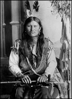 Cheyenne man Little Eagle. Photo: ca. 1893. National Anthropological Archives, Smithsonian Institution.