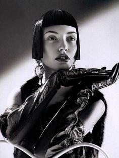 Glove Fashion: Isadora Di Domenico in Burberry Prorsum Patent Leather Opera Gloves. Harper's Bazaar Singapore, 09.2007.