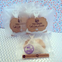 DailyEssentialsDE  - DAILY ESSENTIALS DE - on Etsy  Specialized in shaped tea bags for gifts, parties, weddings, baby showers, or any other event.