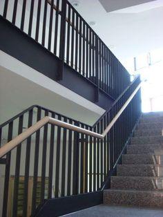 Stair Handrail, Railings, Steel Stairs Design, Textures Patterns, Modern Interior, Stair Case, Foyer Ideas, Garden, Home Decor