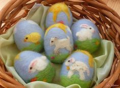Needle Felted Easter / Ostara Egg Bunny Chick Lamb von LaLutine