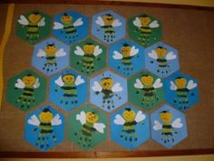 Crafts,Actvities and Worksheets for Preschool,Toddler and Kindergarten.Lots of worksheets and coloring pages. Bug Crafts, Preschool Crafts, Kids Crafts, Spring Crafts For Kids, Art For Kids, Bee Activities, Footprint Art, Toddler Crafts, Arts And Crafts