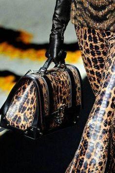 Uau!!  esse look é de arrasar ? Sim ou não ?   Pesquisei Sapatos e Acessórios pra você compor seu look. Clique aqui!  http://imaginariodamulher.com.br/look/?go=24HXLjg