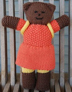 Look at this precious bear! Image17Rav by Cynthea1, via Flickr Knitting For Charity, Knitting For Kids, Hand Knitting, Knitting Patterns, Knitting Toys, Knit Crochet, Crochet Hats, Mother Bears, Knitted Dolls