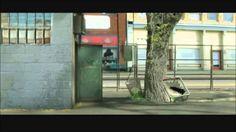 Década 2001-2014 The Amazing World of Gumball (El Increíble Mundo de Gumball en Hispanoamérica, El Asombroso Mundo de Gumball en España) es una serie de televisión animada británico-estadounidense, que se caracteriza por su original mezcla de elementos de animación por ordenador, stop motion, animación tradicional y elementos reales, que fue creada por Ben Bocquelet.