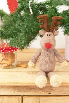 Get in the Christmas spirit with this knitted reindeer toy. Perfect for decorating the house or a festive toy for children, this knitted reindeer makes a welcome addition each festive season.