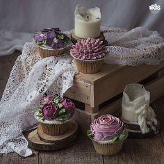 Цветочных снов! Пусть предстоящая неделя будет легкой, позитивной, полной удивительных событий! #flowercake #flowercakeclass  #wilton #cakeclass #bakingclass #buttercream #baking #cake #flower #koreacake #florist #flowerdecoration #fondant #fondantcake #koreanstyle #cakedesign #cakeart #iris_bakery #cakes #cake #cupcakes #cupcake