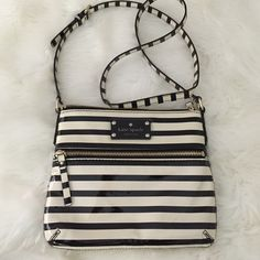 Kate Spade striped crossbody Barely worn, great condition kate spade Bags Crossbody Bags