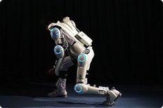 future, HAL robotic suit, HAL, robotic suit, Cyberdyne, robotics technology, robot suits, future robots, robotics, futuristic