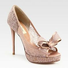 In love with these @MaisonValentino pink #lace shoes...