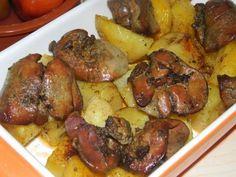 Csodás étel, laktató és gyorsan el is készül! Nyűgözd le vele a családod! Hozzávalók: 50 dkg csirkemáj 60 dkg burgonya 3 gerezd fokhagyma ma...