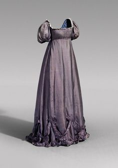 Evening dress of Queen Louise of Prussia, 1800's From Hohenzollern Castle via The Epoch Times
