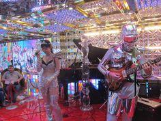 """Groupe de musique tendance """"princesse daft punk"""". japon 2015"""