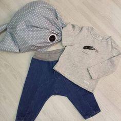 Sphenisorcinus con sarouel denim de @piuetnau y ballena de @laperataller  #nins #ninsmanresa #piuetnau #madeinbarcelona #picoftheday #photooftheday #bestoftheday #kidsfashion #beautiful #instalike #me #instadaily #instagood #modainfantil #moda #kids #ootd #fashion #laperataller #newcollection #cute #fashionkids #cool