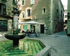 Hidden spots of #Barcelona perfect for a walking Sunday afternoon #SlowLiving